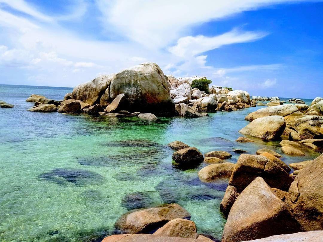 Paket Wisata Bangka Belitung 3 Hari 2 Malam Surabaya Ws Tour Lombok
